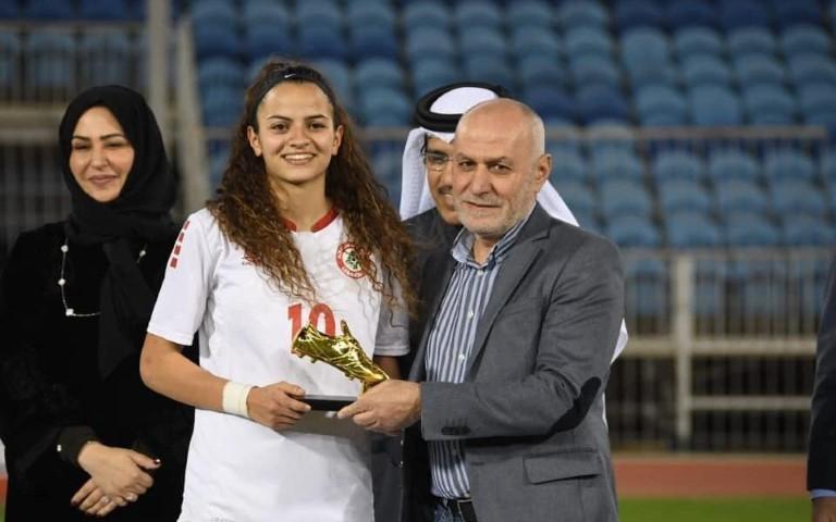 Lili Iskandar, De La Salle Kfaryachit au Championnat de football d'Asie de l'Ouest -Femmes