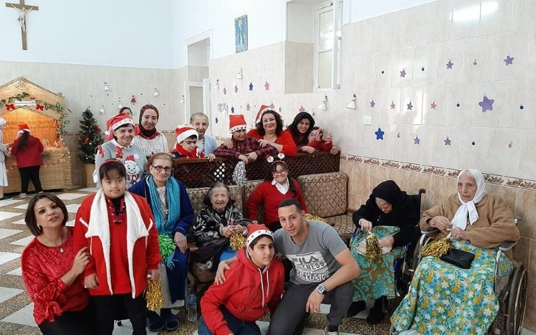 Visite du Centre de Vie de Saint-Marc-Alexandrie à un asile pour personnes âgées.