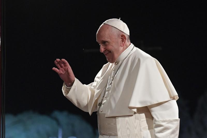 Veillée de Pentecôte: le pape François invoque la « consolation de l'Esprit » sur le monde.