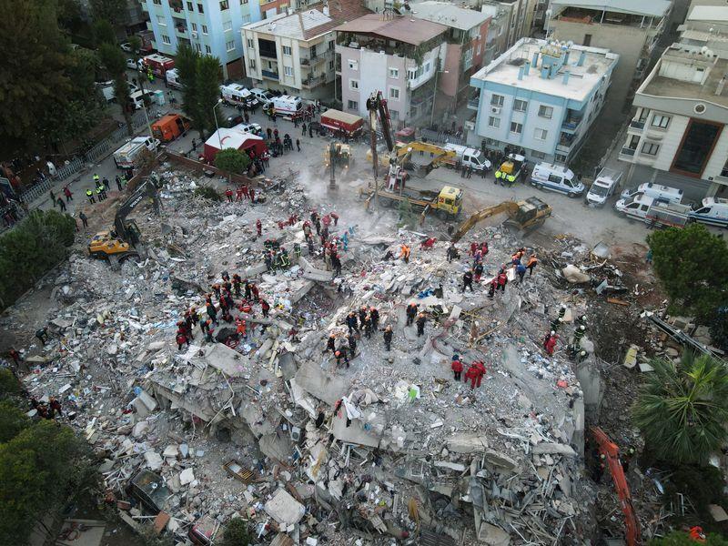 Saint Joseph -Izmir indemme après le séisme.