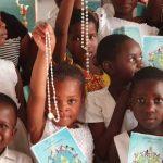 Un million d'enfants vont prier le chapelet en même temps pour changer le monde