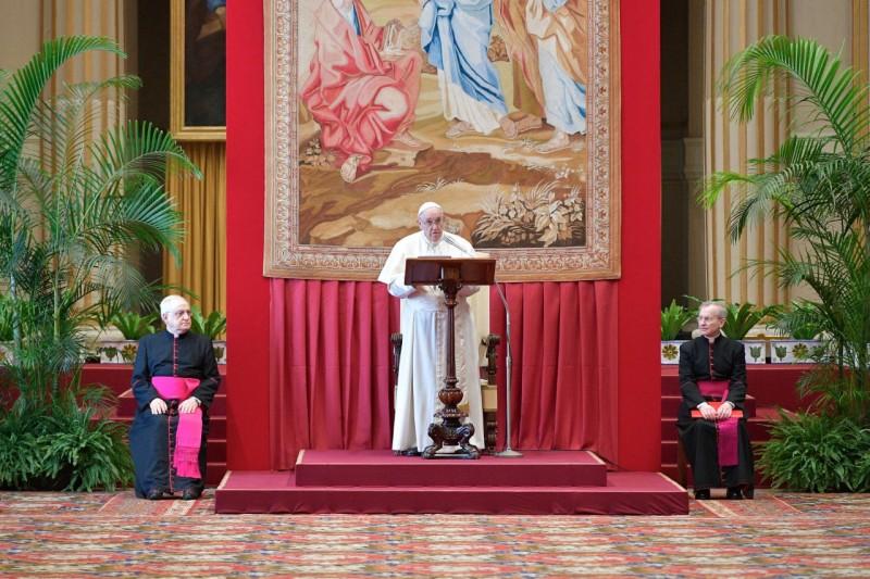 Le pape appelle à ne pas « rester inerte » face à la « catastrophe éducative »